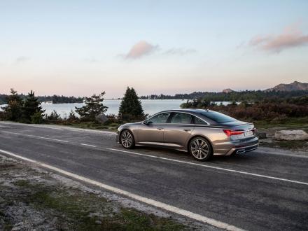 Nou! Covorase auto pentru Audi A6 2020->